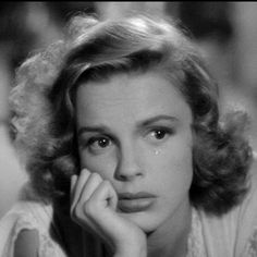 Look at that pout! :] Don't cry, Dorothy! lol