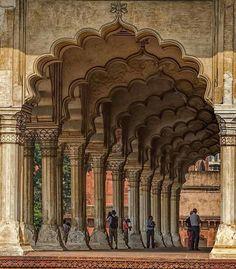 Das Red Fort in Neu Delhi, Indien - Die schönsten Monumente in Indie Mughal Architecture, Ancient Architecture, Amazing Architecture, Art And Architecture, Taj Mahal, Agra Fort, Temple India, India Travel, Jaipur Travel