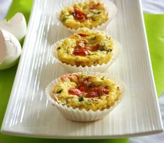 Baked Eggs & Veggies To Go by inspirededibles.ca : Nutritious and portable, make them in mini or regular sizes for the whole family. #Breakfast_to_go #inspiredibles_ca