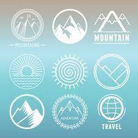 Vektorgrafik : Vector mountain logos and emblems
