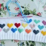 Discover thousands of images about selma selma help how does one do these decorative raglans - PIPicStats This Pin was discovered by Emr Mix Knitting and Crochet Pattern Benzer Çalışmalar No related posts. Knitting For Kids, Baby Knitting Patterns, Knitting Stitches, Knitting Designs, Knitting Projects, Crochet Projects, Hand Knitting, Crochet Patterns, Knit Baby Sweaters