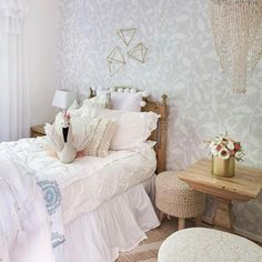 Code: SIMPLYWHITE is still active for 20% off your order!! Isn't this room from @zevyjoy just darling?!? Heart eyes all day 😍😍😍 for this room!! #simplywhite