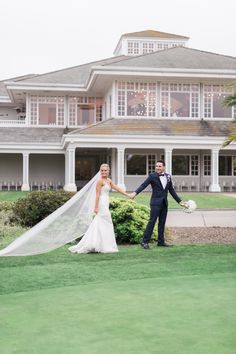 Valerie + Joseph's Timeless Carmel Mountain Ranch Country Club Wedding| Gown: Astrid and Mercedes Divine| Image: Hello Blue