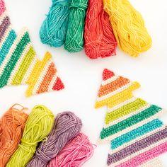 nl Free crochet pattern for the vintage sweet shawl (ENG/NL) – haakmaarraak. Easter Crochet Patterns, Granny Square Crochet Pattern, Basic Crochet Stitches, Crochet Chart, Free Crochet, Rainbow Christmas Tree, Crochet Christmas Trees, Christmas Tree Pattern, Holiday Crochet