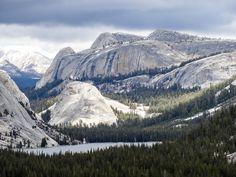 Vu sur Tenaya Lake dans le parc de Yosemite. La suite sur www.voyage-aux-etats-unis.com/j5-san-francisco-yosemite-park/