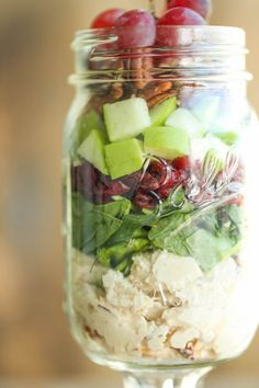Apple and Pecan Salad in a Jar Chicken, Apple and Pecan Salad in a Jar - Easy, portable salads that can be made ahead for the week - they stay fresh so you never have a soggy salad again!Portability Portability may refer to: Mason Jar Lunch, Mason Jar Meals, Meals In A Jar, Mason Jars, Lunch Meal Prep, Healthy Meal Prep, Healthy Recipes, Whole30 Recipes, Eat Healthy