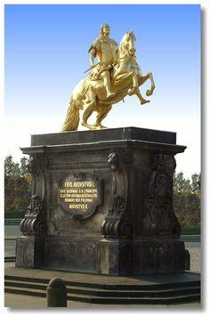 Goldener Reiter, Dresden. Das bekannteste Denkmal des sächsischen Hauptstadt zeigt den Kurfürst August den Starken