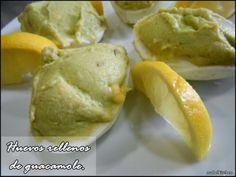 Mabel's Kitchen: HUEVOS RELLENOS DE GUACAMOLE.