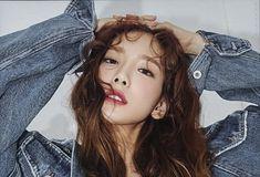 Snsd, Sooyoung, Yoona, Girls' Generation Taeyeon, Girls Generation, Kpop Girl Groups, Kpop Girls, Kim Tae Yeon, Long Hair Styles