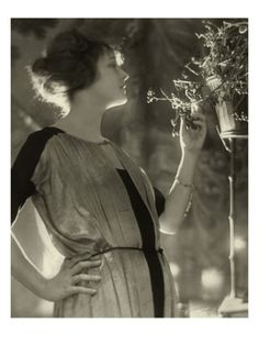 Vogue - February 1921 by Baron Adolphe De Meyer