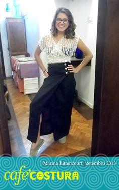 Marina arrasando com essa saia envelope bem justa!