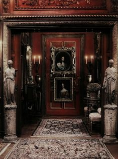 Eye For Design: Decorate Your Interiors With Classical Statuary Red Rooms, Dark Rooms, Gothic House, Gothic Mansion, Art Deco, French Decor, Art Of Living, Victorian Era, Victorian Interiors