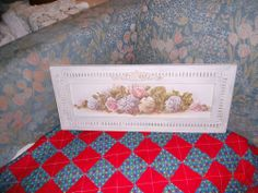 Vintage Gorgeous Shabby Cottage Frame With Beautiful Floral Print