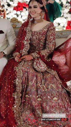Pakistani Fashion Party Wear, Pakistani Dresses Casual, Pakistani Wedding Dresses, Pakistani Dress Design, Fancy Dress Design, Bridal Dress Design, Asian Bridal Dresses, Bridal Outfits, Shadi Dresses