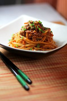 Spaghetti Gangnam Style- Def need to learn how to make this K Food, Love Food, Food Porn, Korean Dishes, Korean Food, Bento, Fusion Food, Pasta Dishes, Asian Recipes