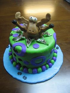 Moose cake - maybe use a horse instead for a fun Spring Carnival Melbourne Cup themed party!