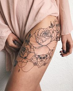 Bouquet of roses with mandala #veronicalilutattoo #FlowerTattooDesigns #tattoodesigns