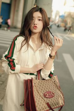 China Entertainment News: Zhao Lusi Beautiful Girl Image, Beautiful Asian Women, Aesthetic Girl, Aesthetic Clothes, Champagne Evening Gown, Girl Korea, Ulzzang Korean Girl, Fashion Cover, Girl Photography Poses