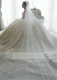 Fantastic+Tulle+Off-the-shoulder+Neckline+Ball+Gown+Wedding+Dress+With+Beaded+Lace+Appliques+WDWD0902
