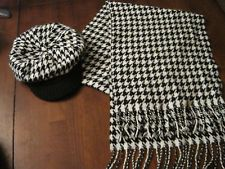 BLACK / WHITE HOUNDSTOOTH WOMEN'S SET SCARF AND HAT / BEANIE