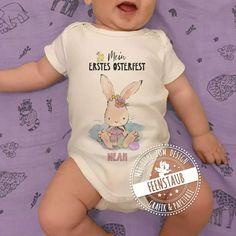 Bügelbild mit Namen für das erste Osterfest deines Babys. Perfekt um auf Bodys oder Shirts gebügelt zu werden. Mein erstes Ostern.#feenstaub #ostern Washi Tape, Onesies, Shirts, Clothes, Fashion, Paper Mill, Pregnancy Countdown, Simple Diy, Names