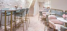 Barová stolička STRIKE ST Barová stolička s chrómovaným alebo lakovaným oceľovým rámom a s čalúneným sedadlom a operadlom. #barstools #bar #stools #barovastolicka #stolicka #design #alvex #restaurant #gastronomy #forest #terrasse Bar, Chairs, Furniture, Home Decor, Design, Day Planners, Decoration Home, Room Decor