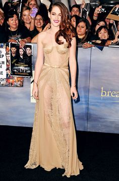 Twilight Saga Breaking Dawn Part 2 Premiere Kristen Stewart - Hate her acting, but she's still gorgeous