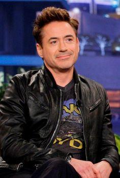 Robert Downey Jr., I Robert, Iron Man 3, Iron Man Tony Stark, Look At The Stars, Handsome Actors, Downey Junior, Video New, Hollywood Actor