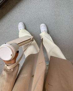 Beige coffee outfit Source by alexandracharlaix outfit - dresses Aesthetic Fashion, Aesthetic Clothes, Look Fashion, Aesthetic Outfit, Fashion Women, Fashion Tips, Aesthetic Design, Fashion Clothes, Fashion Ideas