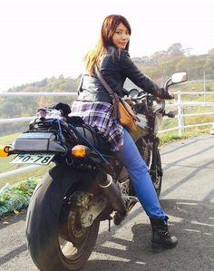 「バイク好きと出会って仲良くなりたい」「ライダー同士で婚活したい」と思う男性女性のために、「バイク好きと出会うための方法と仲良くなるコツ」を紹介します。