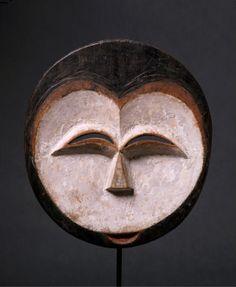 Africa . Gabon . Kwele mask