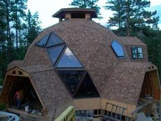 Living in a Natural Spaces Geodesic Dome Home! Located in Cranbrook, British Columbia. Williams Lake, Geodesic Dome Homes, Dome House, Unique Buildings, Natural Building, Round House, Earthship, Cabana, Architecture Design
