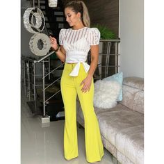 Swans Style is the top online fashion store for women. Shop sexy club dresses, jeans, shoes, bodysuits, skirts and more. Cute Outfits With Jeans, Classy Outfits, Chic Outfits, Fashion Outfits, Womens Fashion, Outfit Stile, Look Star, Pantalon Large, Blouse Styles