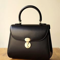 Fendi women's leather handbag shopping bag purse petite brown Fall Handbags, Gucci Handbags, Handbags On Sale, Purses And Handbags, Cheap Purses, Cute Purses, Leather Purses, Leather Handbags, Men Clutch Bag