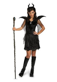 The Maleficent Black Gown Tween/Teen Deluxe Child Costume is the best 2019 Halloween costume for you to get! Everyone will love this Girls costume that you picked up from Wholesale Halloween Costumes! Halloween Costumes For Teens Girls, Tween Costumes, Halloween Costumes For Girls, Disney Costumes, Villain Costumes, Halloween Clothes, Girl Halloween, Group Halloween, Toddler Halloween