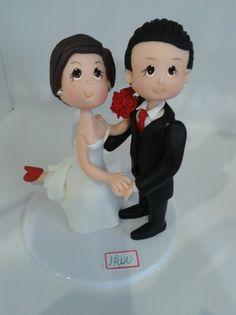 Topo de bolo de casamento noiva com pé levantado peça artesanal, prazo de entrega de 20 dias mais o correio