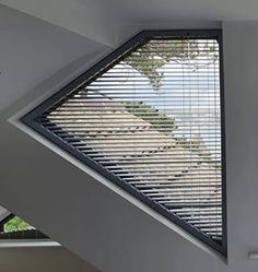 Venetian blind in a contemporary triangular window #awkwardwindows