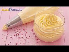 La crema al burro è una preparazione di pasticceria usata per decorare, ricoprire e farcire svariate torte, come pan di spagna o torta paradiso, dolci di pic...