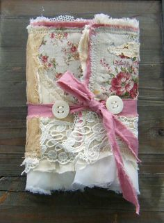 gorgeous fabric handmade journal! Wow--I can work paper, but I wish I could work fabric like this! Awesome!