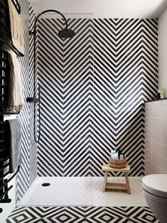 Neat Emily Henderson Design Trends 2018 Bathroom Black Fixture 03 The post Emily Henderson Design Trends 2018 Bathroom Black Fixture 03 appeared first on Home Decor . Interior Design Trends, Interior Decorating Tips, Interior Design Inspiration, Design Ideas, Design Design, Decorating Ideas, Decorating Websites, Design Projects, Diy Projects