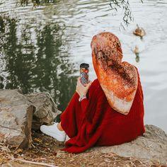 Image may contain: one or more people and outdoor Hijab Hipster, Hijab Dp, Muslim Hijab, Mode Hijab, Hijab Niqab, Modern Hijab Fashion, Muslim Women Fashion, Hijab Style, Hijab Chic