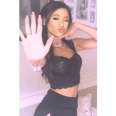 Find images and videos about pink, girly and ariana grande on We Heart It - the app to get lost in what you love. Nikki And Gabby, Gabi And Niki, Justin Bieber, Dior Girl, Pretty Hurts, Gossip Girl Fashion, The Most Beautiful Girl, Types Of Fashion Styles, Models