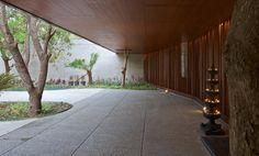 Galeria de Casa DIYA / SPASM Design Architects - 14