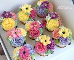 "ElleBaking FlowerCake on Instagram: ""สักคัพไหมคะ คัพเค้กดอกไม้ที่หอมละมุนลิ้น ดอกไม้เป็นครีมนุ่มๆละลายในปาก ทานคู่กับเนื้อเค้กที่เนื้อไม่ร่วน…"" Buttercream Flower Cake, Cupcakes, Desserts, Food, Tailgate Desserts, Cupcake Cakes, Deserts, Essen, Postres"