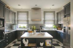 Bick Simonato #ornare #kitchen #black #decor #decoração #modern #new #trendy Decor, Kitchen Island, Room, House, Kitchen Cabinets, Cabinet, Farmhouse, Home Decor, Kitchen