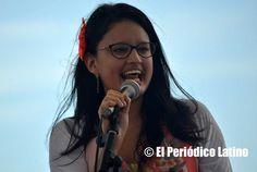 Correspondió a la presentadora colombiana y animadora de las Fiestas Patrias de Colombia Loren Andre Cardona dar el mensaje de bienvenida a los colombianos presentes que llegaron a disfrutar de la celebración de las Fiestas Patrias de Colombia en Bon Pastor.