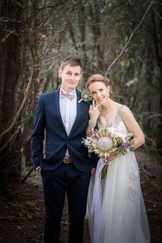 Bride + groom wedding day photo idea {Photo by Poppy Lane Photography}