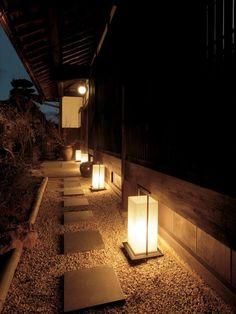 30 Backyard Lighting Ideas and Breathtaking Patio Will Fascinate You – Your Backyard – Diy Backyard Backyard Lighting, Outdoor Lighting, Lighting Ideas, Outdoor Decor, Japanese Garden Lighting, Traditional Japanese House, Japan Garden, Patio Tiles, Garden Lamps