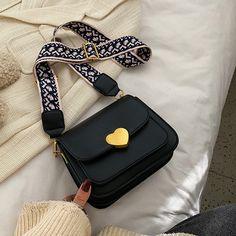 Cute Mini Backpacks, Stylish Backpacks, Trendy Purses, Unique Purses, Luxury Purses, Luxury Bags, Designer Purses And Handbags, Purses And Bags, Fashion Handbags
