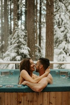 This honeymoon photoshoot is everything a winter bride and groom dreams of. If you are planning for honeymoon photos, you won't regret it. Consider a romantic and adventurous cabin destination like this beautiful oregon couple. Roses Photography, Couple Photography Poses, Friend Photography, Maternity Photography, Wedding Photography, Cute Couples Photos, Cute Couple Pictures, Couple Pics, Couple Shoot